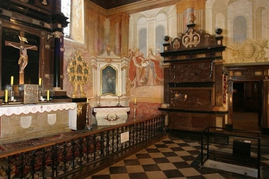 kaplica oleśnickich.jpeg